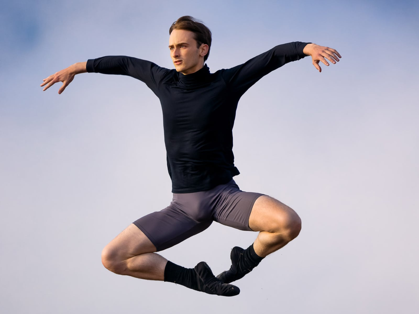 Yuri jumping. Photo By Chris Hardy